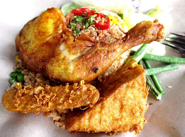 Warong Cafe nasi goreng ayam penyet 2