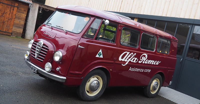 Alfa Romeo Autotutto Romeo 2 minibus - Houdan (78) Janvier 2018 28165170609_f9fb56a84b_c