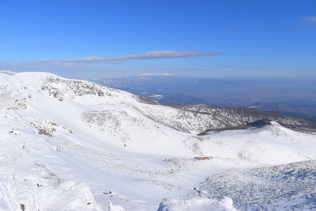 安達太良山からの雪の蔵王山