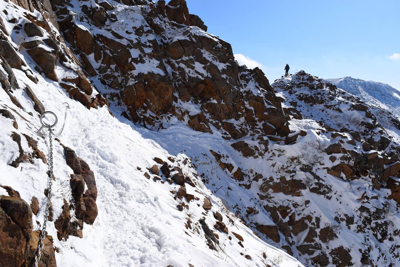 冬の那須岳・朝日岳の登山道