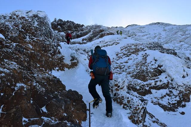 雪の地蔵尾根登山