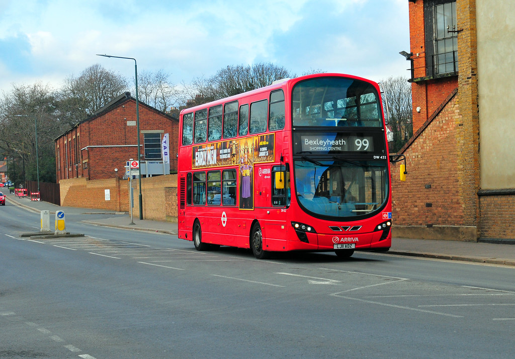 Arriva London Bus DW432 Is Seen On 26 1 18 Working Route 99 In