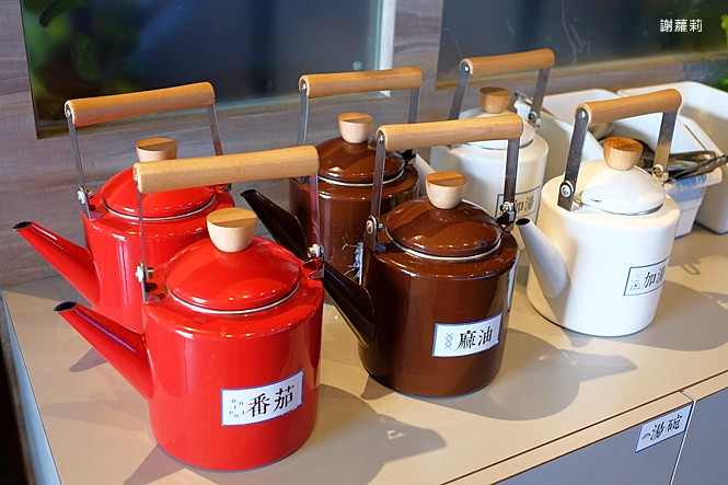 25477655567 0e0f558530 b - 熱血採訪   石研室石頭火鍋(台中中科店)。必點麻油雞、超猛海鮮鍋,挑戰台中霸氣全牛大拚盤!