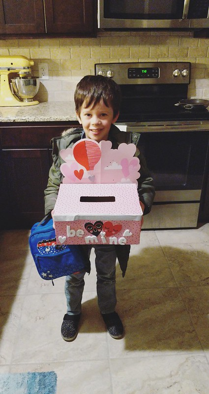 Cute Valentine's Day card box