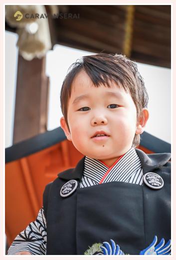 出張カメラマンが撮る七五三写真 景行天皇社(愛知県長久手市)3才の男の子 ママもお着物 自然でおしゃれ
