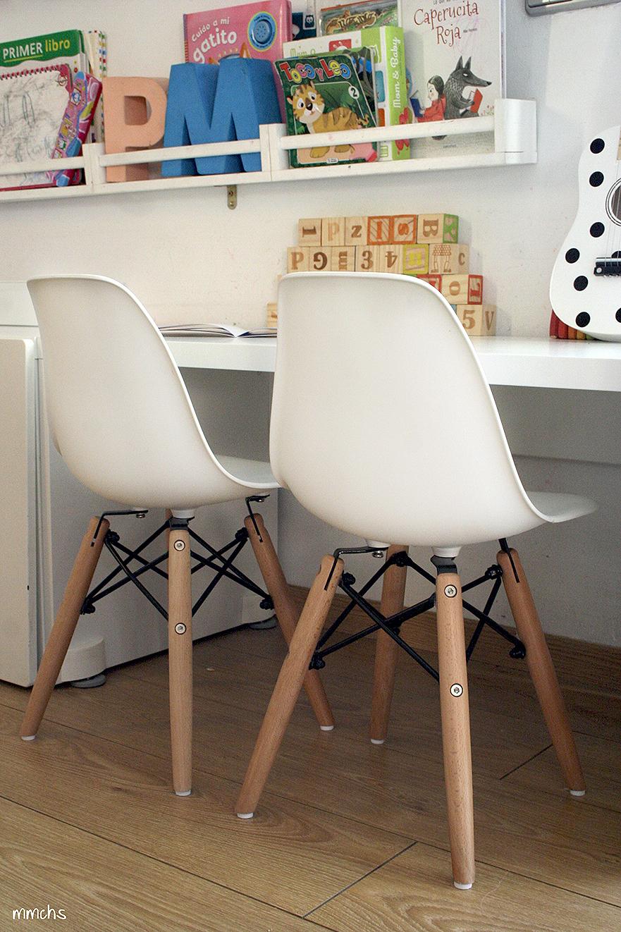 sillas para niños blancas