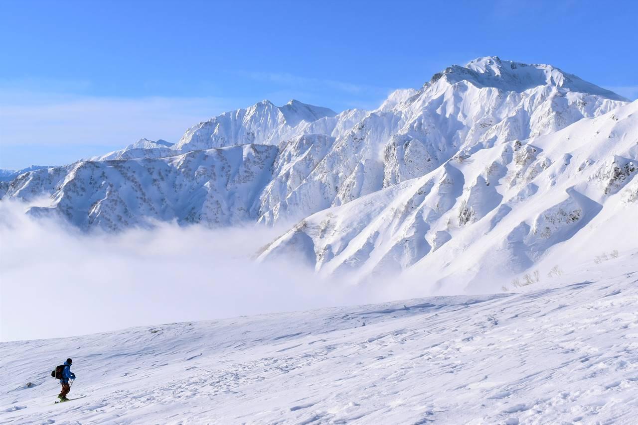 【北アルプス】冬の唐松岳 夜行バスで行く日帰り雪山登山