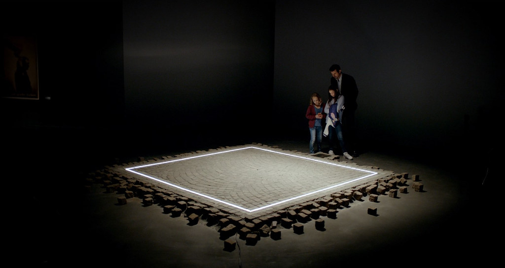 「the square」的圖片搜尋結果