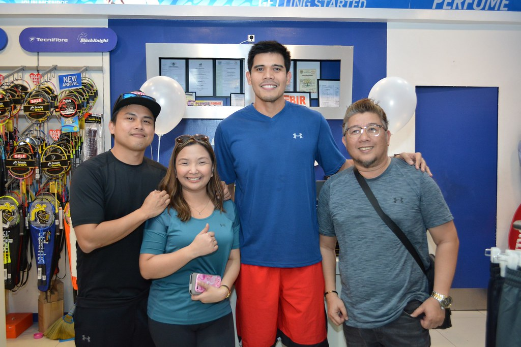 From left to right: One of A Kind Maketing CEO Engr. Allan Majadillas,Managing Director Christine Majadillas, PBA Superstar Jervy Cruz and Ali Lumio