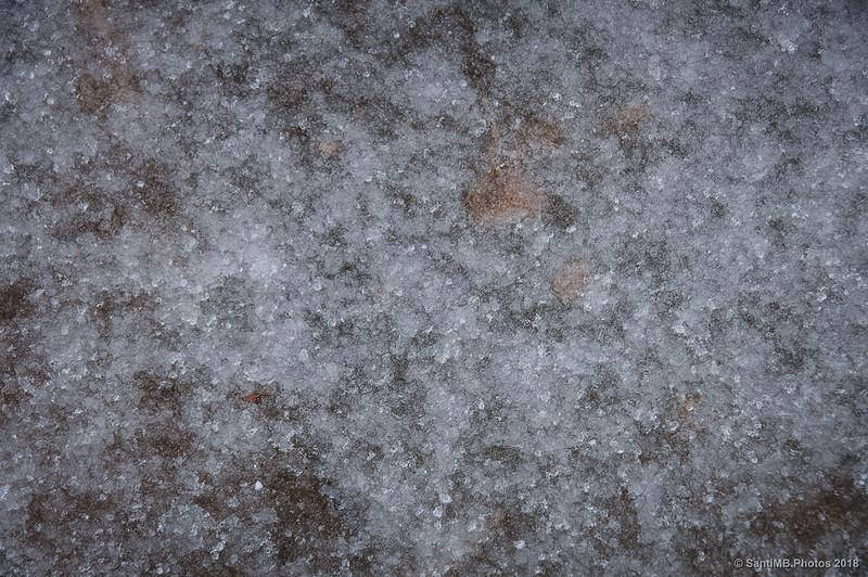 Superficie helada del Gorg Blau de la Riera del Molí