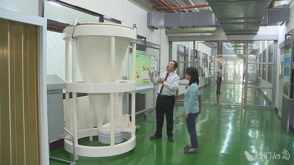 946-2-8國家實驗研究院台灣海洋科技研究中心與中山大學的研究團隊,與日本進行跨國研究海洋酸化。