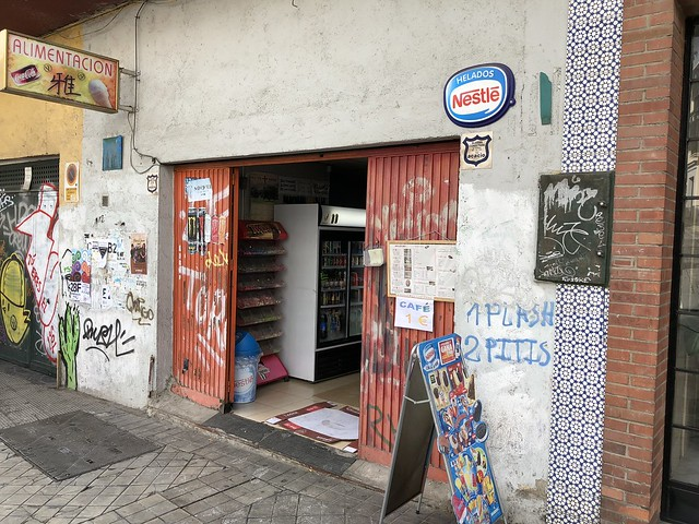 A small shop in a garage in Granada