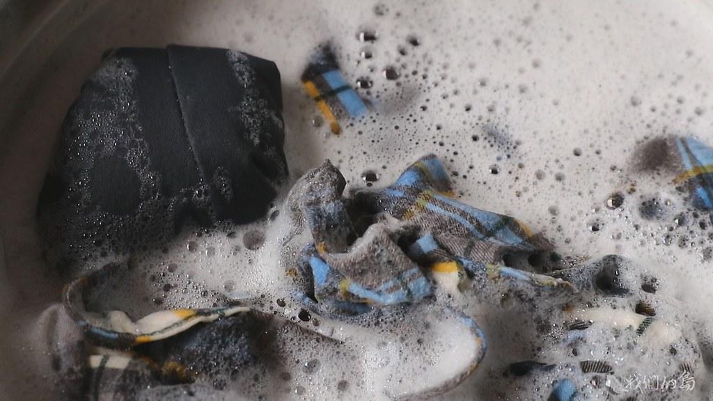 944-1-372016年英國科學家實測,每用洗衣機洗一次衣服,就會產生七十萬條微塑膠纖維。