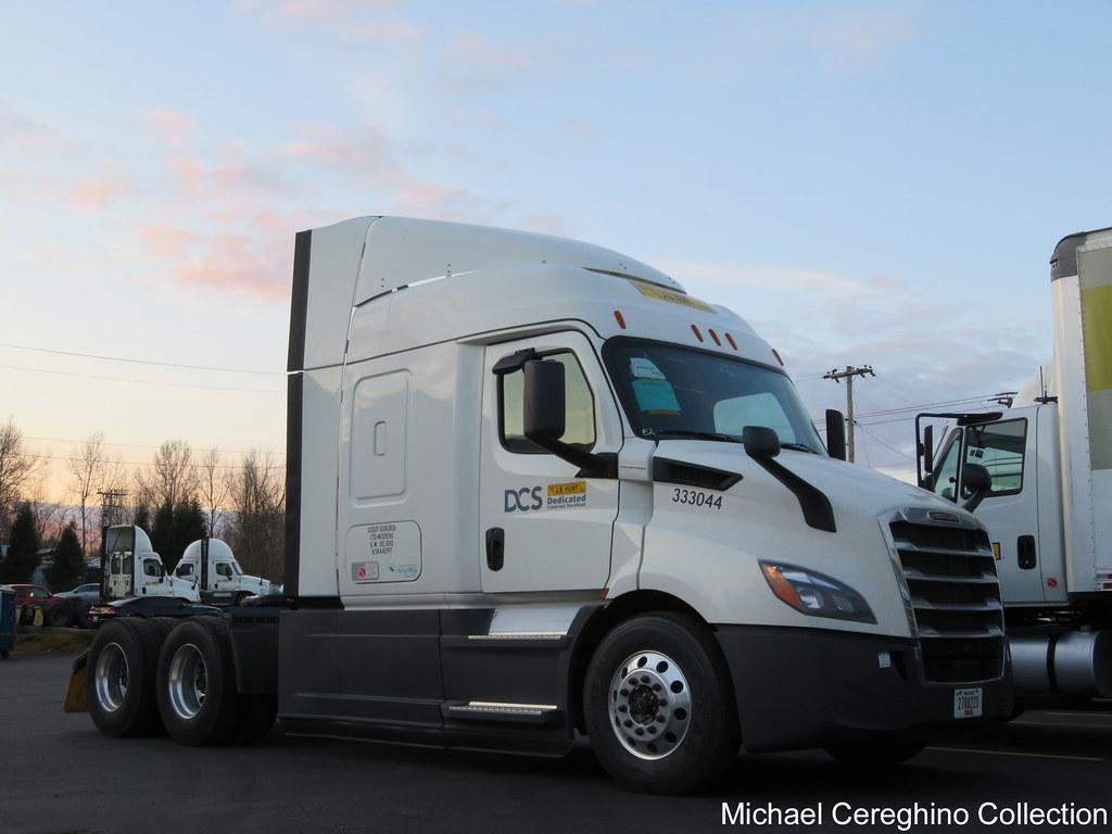 J B Hunt Freightliner Cascadia Truck 333044 Brand New