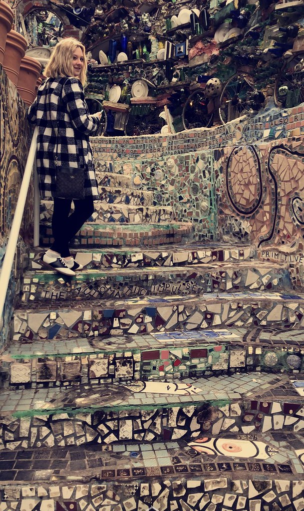 exploring the Philadelphia Magic Gardens
