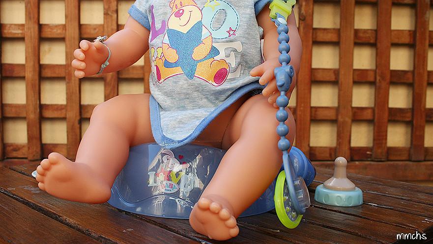 orinal muñeco BABY born niño Bandai