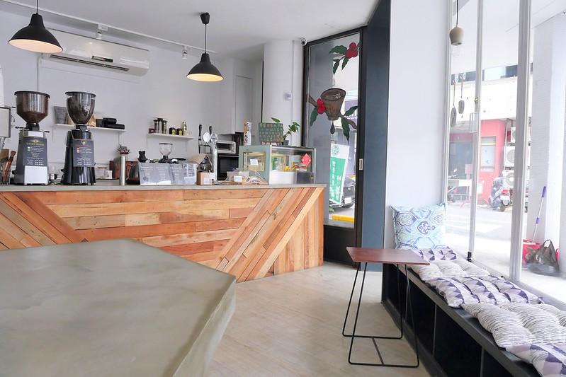 26876011358 51f9d922c3 c - LightBeam Coffee│一中街網美最愛咖啡館 招牌氮氣咖啡夏天來一杯冰涼消暑