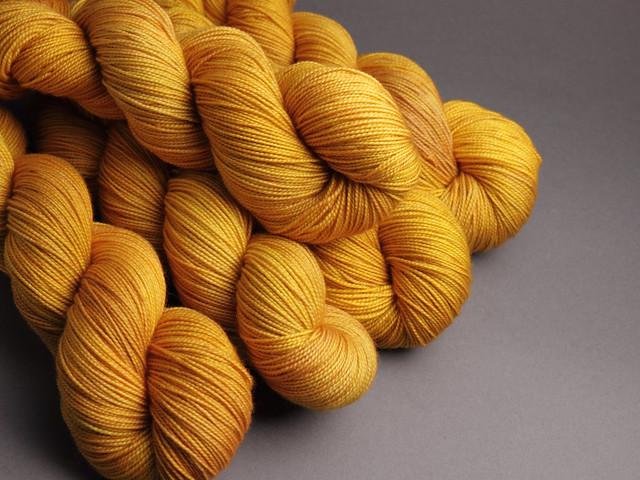 Favourite Sock – hand-dyed pure merino superwash wool 4 ply/sock yarn 100g – 'Colonel Mustard' (golden yellow)