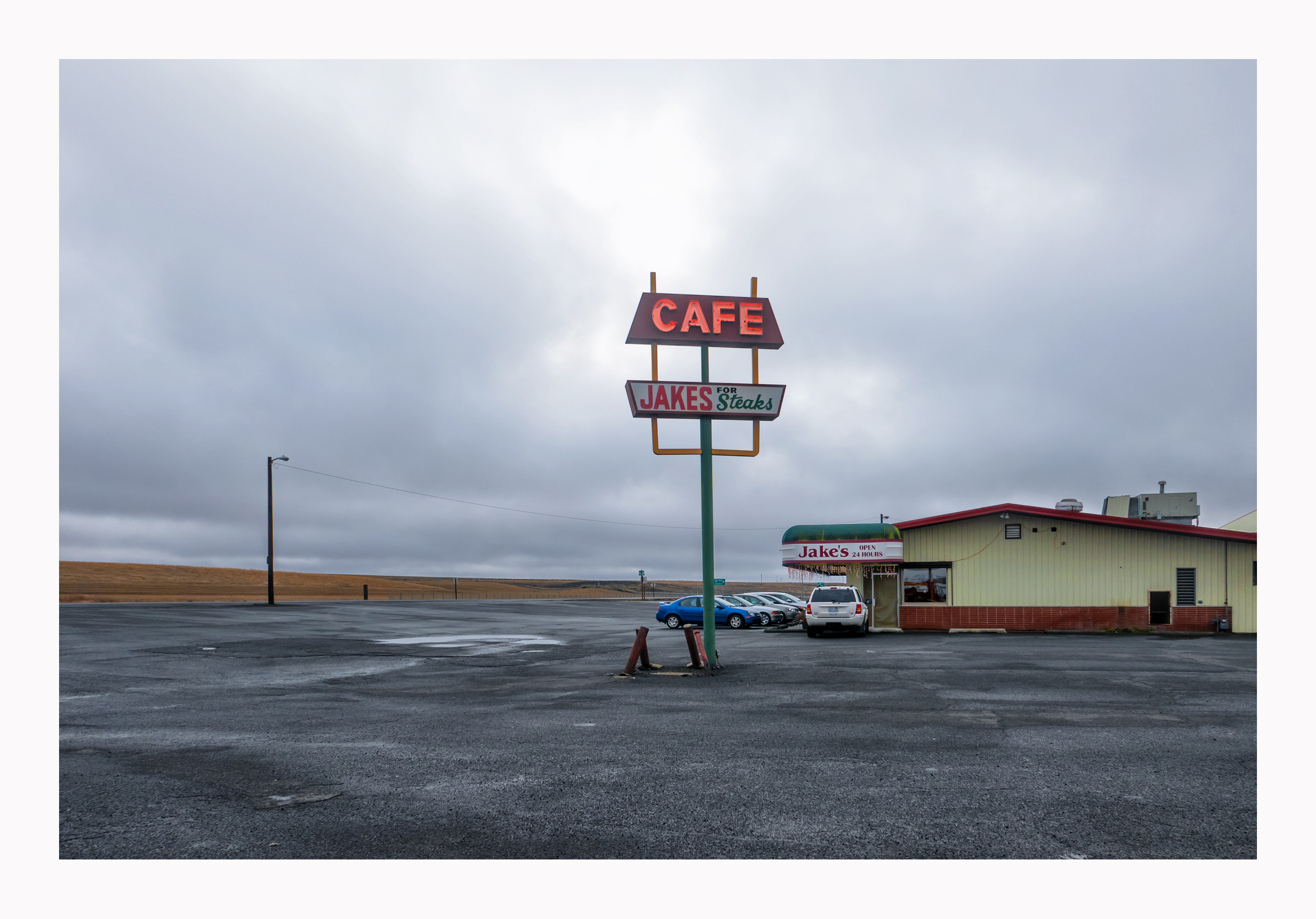 Jake's Cafe - 1604 West 1st Avenue, Ritzville, Washington U.S.A. - December 24, 2014