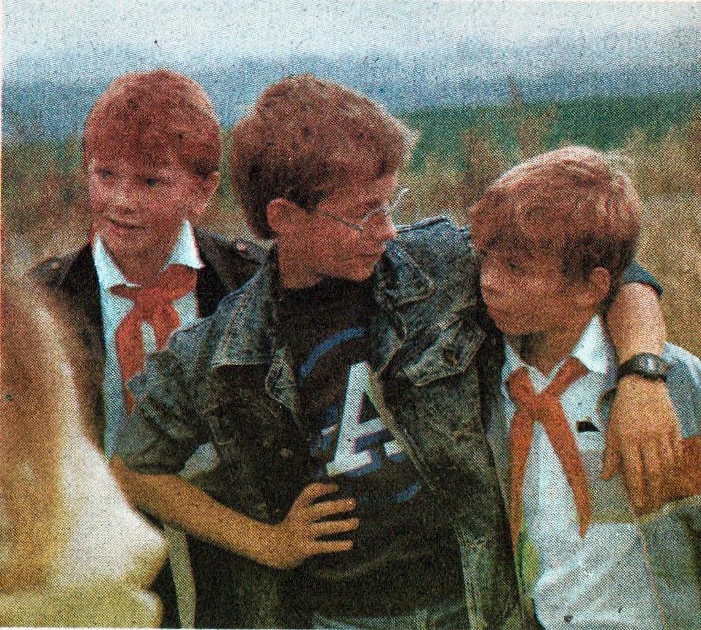 DDR Kinder,Freie-Deutsche-Jugend,Jungpioniere,Thälmannpion… | Flickr