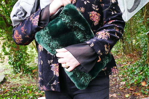 How to pair dramatic sleeves with a blazer therealjlow 2018 | by therealjlowstyleblog