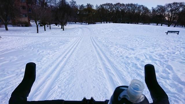 Talvista ratapyöräilyä