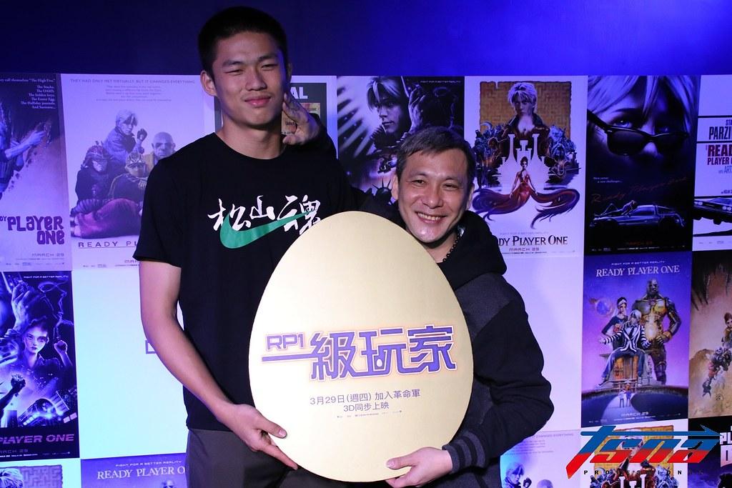 松山高中教練黃萬隆(圖右)與球員林正(圖左)。(資料照,林志儒/攝)
