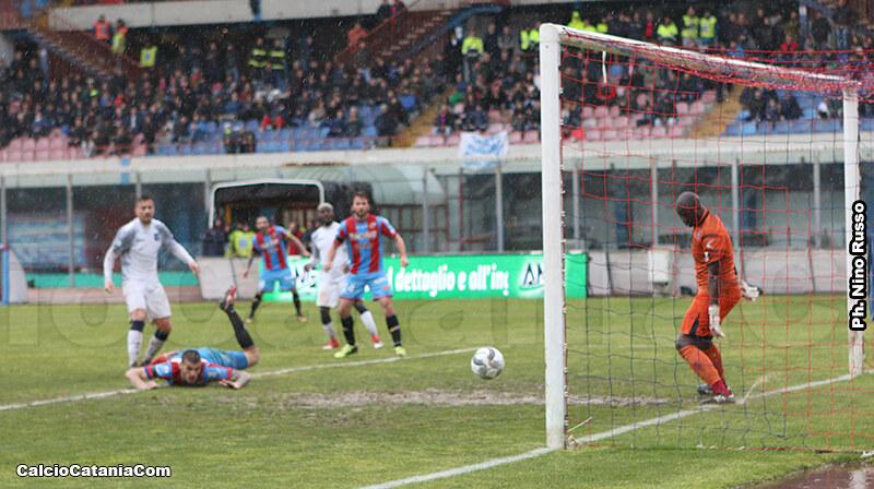Il gol di Luka Bogdan che chiude il