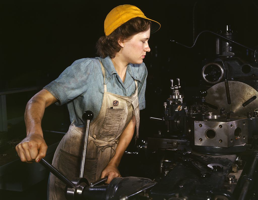 Women at factory work 40's