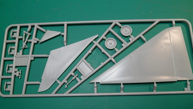 Ouvre-boîte Super Mirage 4000 [Modelsvit 1/72] 40067365894_6d7789d465_z