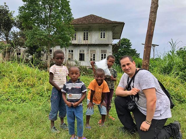 Sele en la Roça de San Nicolau (Santo Tomé y Príncipe)