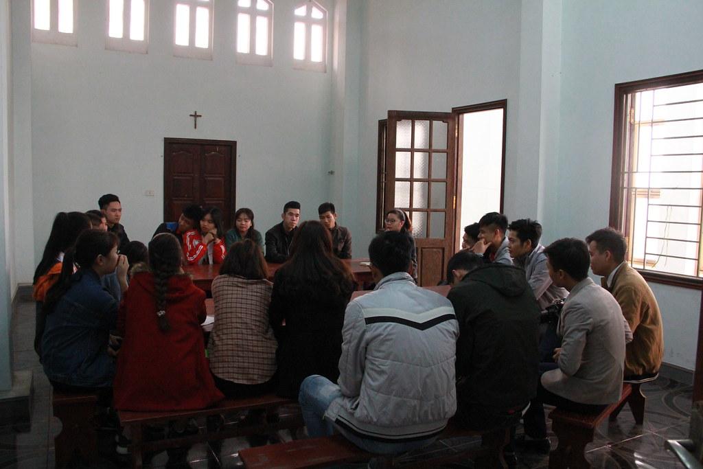 Sinh viên trong giờ thảo luận nhóm
