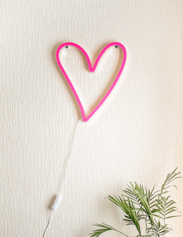 pink heart neon wall lamp