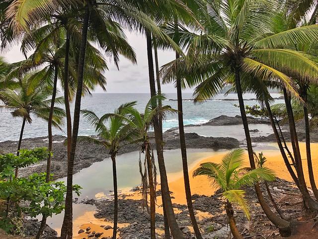 Praia Piscina (sur de la isla de Santo Tomé en Santo Tomé y Príncipe)