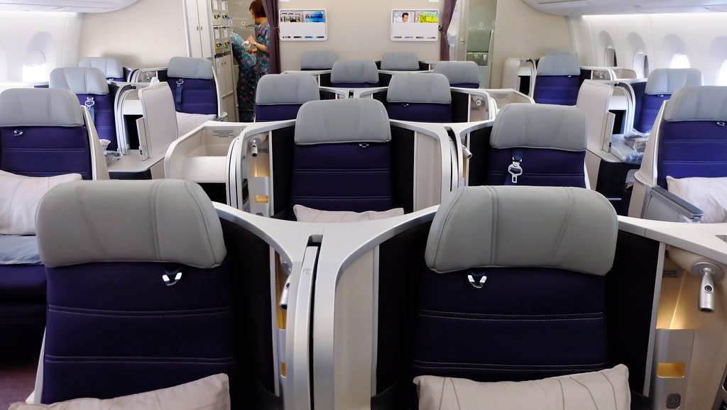 onboard a350 900 business class malaysia airlines flickr. Black Bedroom Furniture Sets. Home Design Ideas