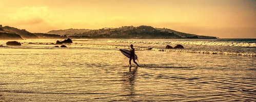Catorce surfistas. | by Mackedwars