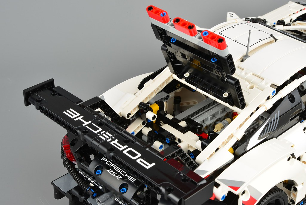 lego technic 42096 porsche 911 rsr review brickset lego. Black Bedroom Furniture Sets. Home Design Ideas