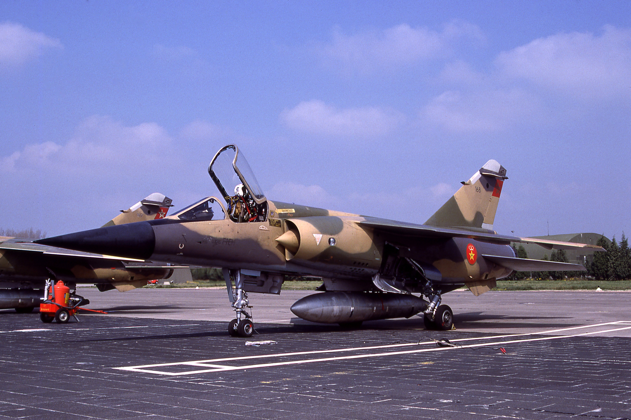 FRA: Photos Mirage F1 - Page 15 46152478461_9596b30bd9_o