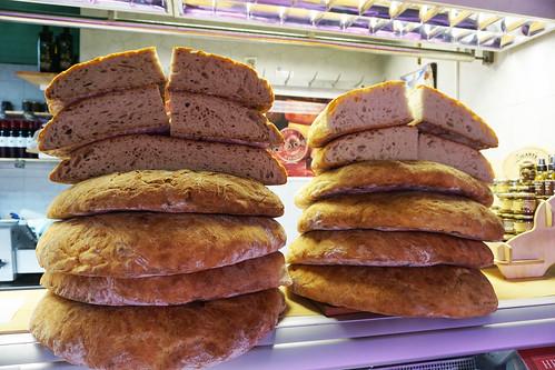 dolac market bread