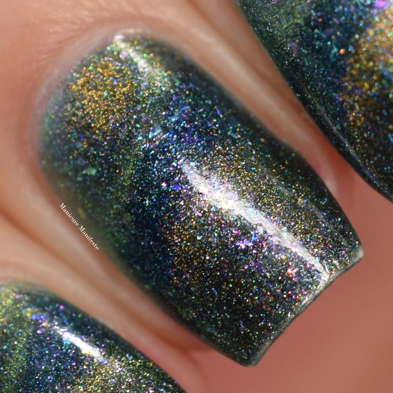 Bees Knees Lacquer The World swatch