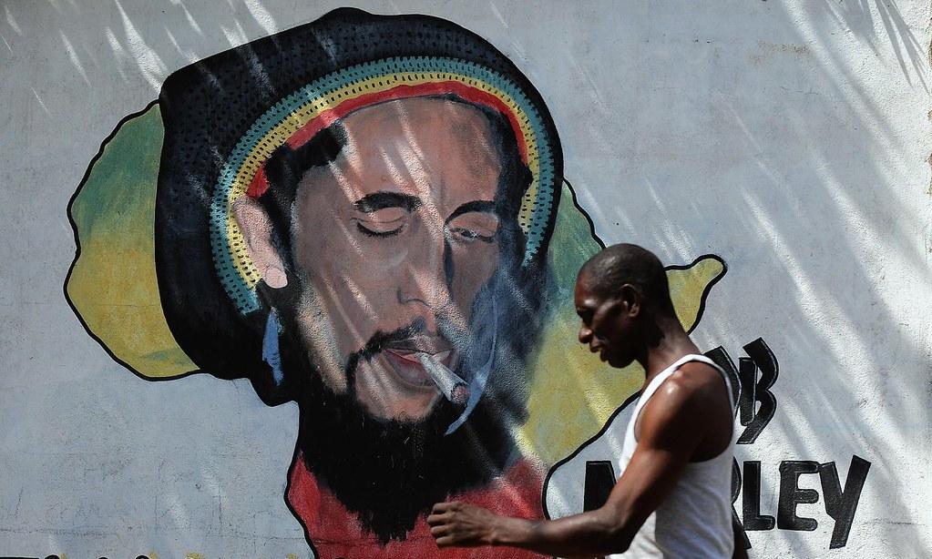 牙買加首都京斯敦的雷鬼歌手巴布·馬利肖像。(圖片來源:Jewel Samad/AFP)