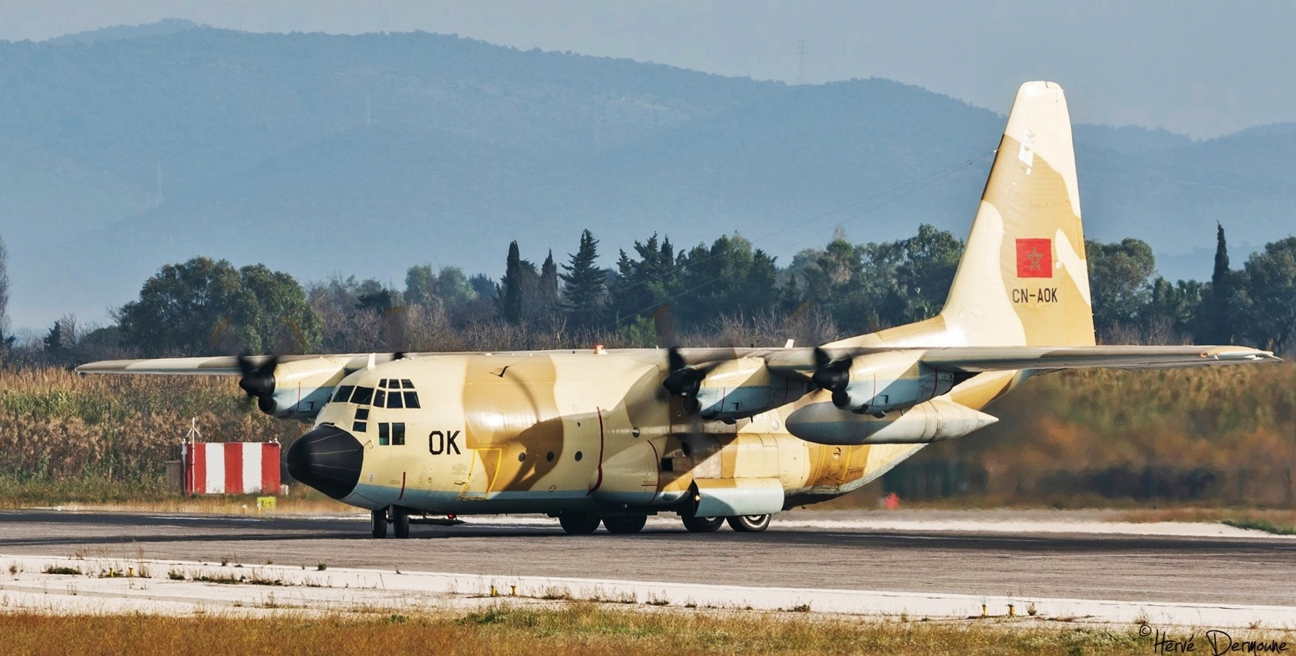 FRA: Photos d'avions de transport - Page 36 45510609844_b62b5fd2ca_o