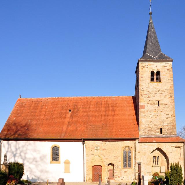 November 2018 ... Michaelsberg mit Michaelskapelle bei Gundelsheim, Landkreis Heilbronn ... Foto: Brigitte Stolle