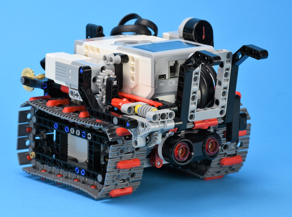 20 Years of LEGO Mindstorms | Brickset: LEGO set guide and