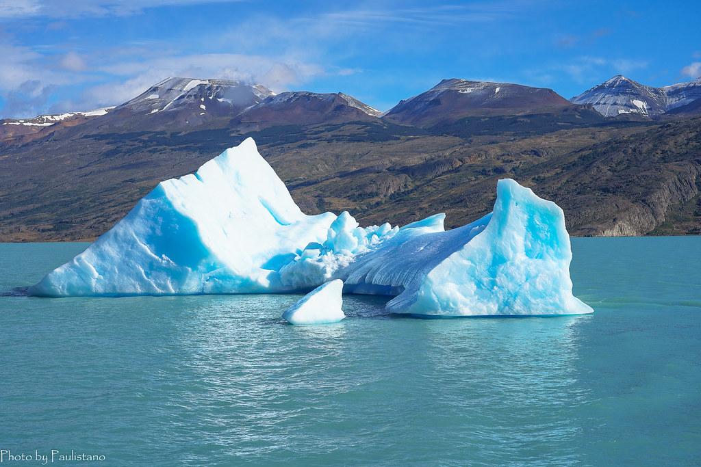 Одинокий айсберг