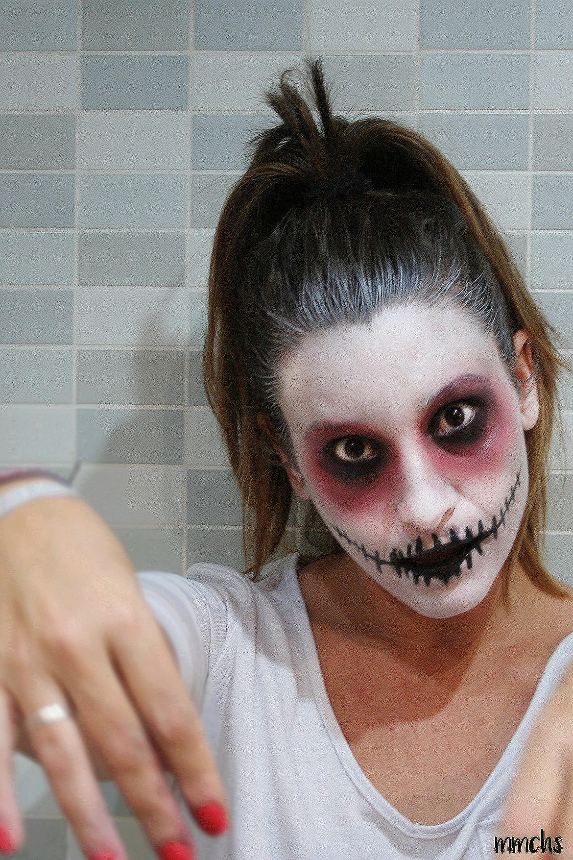 cómo hacer un maquillaje de momia zombie casero