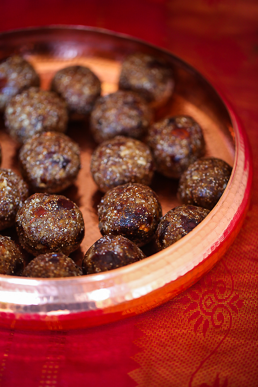 Date and Poppyseed Laddu
