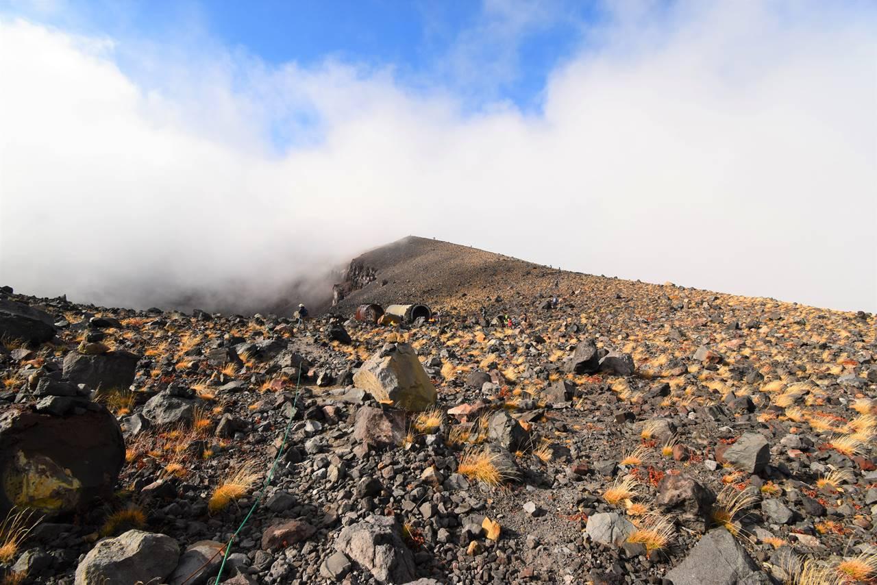 浅間山(前掛山)の稜線
