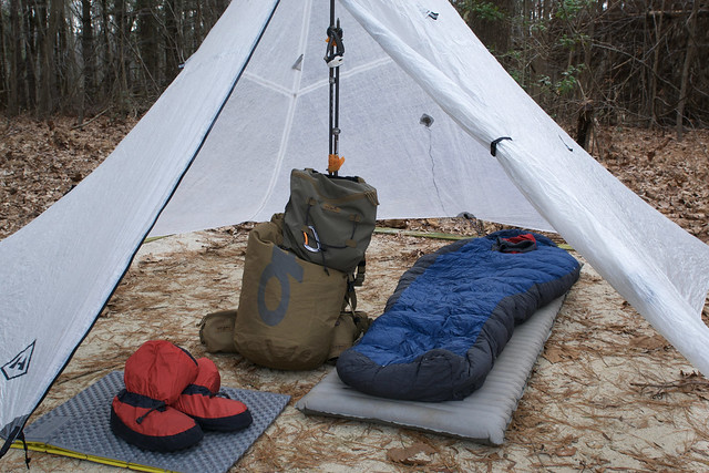 Camping gets comfortable: Insulated tent keeps you warm in ...  |Heated Winter Camping Shelters