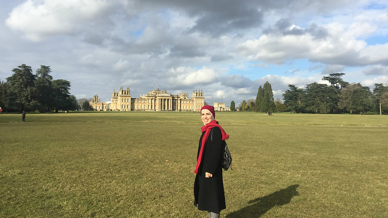 A picture of Reham visiting a stately home